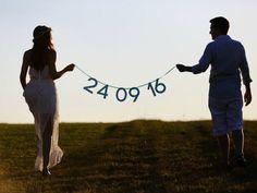 Pre-Wedding Rehearsal in Holambra - Bora Decorar - Hochzeit - Pre Wedding Poses, Pre Wedding Shoot Ideas, Wedding Couple Poses, Pre Wedding Photoshoot, Wedding Couples, Wedding Pictures, Pre Weding, Hair Pictures, Photoshoot Ideas