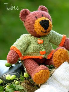 knitted bear, knitted teddy bear