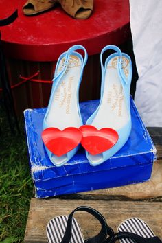jedenáct koček - arogantní umňoukaná alternativa Stuart Weitzman, Sandals, Heels, Fashion, Heel, Moda, Shoes Sandals, Fashion Styles, High Heel