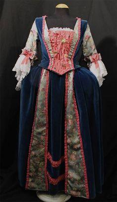 Siglo XVIII mujer #vestuario #costumes