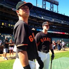 SFGiants Joe Panik and Andrew Susac get ready for batting practice at ATTPark San Fran Giants, My Giants, Giants Baseball, San Francisco Giants, New York Giants, Hot Baseball Players, Casey At The Bat, 2014 World Series, Buster Posey
