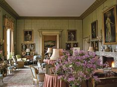 English Country Decor - THE DRAWING ROOM: English Country House Decoration by British historian and writer, Jeremy Musson via: Jennifer Boles, The Peak of Chic Style At Home, Country Style Homes, Country Life, Country Living, English Country Manor, English Cottage Style, English Style, French Country, English Cottages