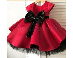 Minnie Mouse Theme Dress, Minnie Mouse Birthday Outfit Minnie Mouse Birthday Outfit - Baby Girl Minnie Mouse Theme Dress - Toddler Minnie Mouse Party Frock with Matching Headband - Kids Minnie Mouse Dress For 1 Year Old Minnie Mouse Birthday Outfit, Baby Girl Birthday Dress, First Birthday Dresses, Baby Girl Party Dresses, Minnie Mouse Party, Little Girl Dresses, Birthday Outfits, Mouse Outfit, Minnie Mouse Dresses