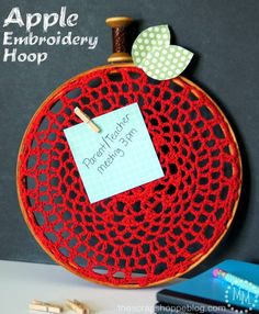 Apple Embroidery Hoop | The Scrap Shoppe Blog - Highlighted on #HomeMattersParty 101