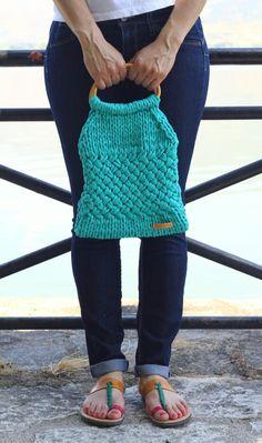 Turquoise bag hand knitted, trapillo, trapilho, tek-tek yarn, t-shirt yarn