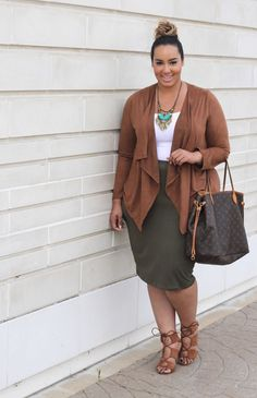 Plus Size drape cardigan with pencil skirt -Beauticurve. For more inbetweenie and plus size style ideas, go to www.dressingup.co.nz