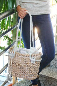 Alena Bugrova Wooden Bag, Potli Bags, Picnic Bag, Paper Weaving, Diy Handbag, Jane Birkin, Unique Bags, Basket Bag, Beach Tote Bags