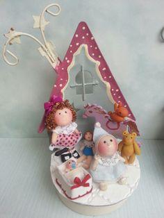 Tumima Dolls de Marisa Madejón. Christmas Clay, Christmas Ornaments, Miniature Dolls, Snow Globes, Toys, Holiday Decor, Dollhouses, Miniatures, Xmas Ornaments