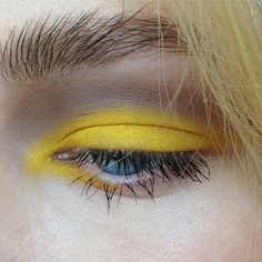 #eyemakeup #yellow #makeup
