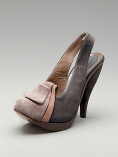 Marni is coming out with some good stuff. Loving this slingback pump.