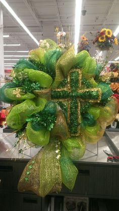 St. Patrick's Day Mesh Wreath...Robin Evans