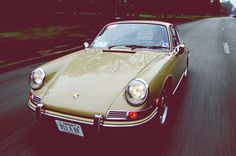 Von einem hässlichen BH, kleinen Rostbläschen und dem (fast) letzten seiner Art Über unser facebook-Schwesterportal Garage 911 haben wir kürzlich eine Nachricht von Arthur aus Frankreich bekommen. Er besitzt einen unserem formfreu. de-911 fast identischen Exemplar!!