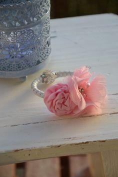 Armband für Brautjungfer, Zubraut, Anlass *rosa* von MY bouquet auf DaWanda.com