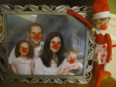 Rudolph Noses for Everyone christmas cards, shelf idea, family portraits, family photos, elf on shelf, rudolph nose, elv, christmas ideas, kid