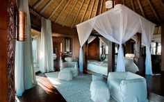 south-african-villa-with-cave-like-interiors-and-observatory-12.jpg