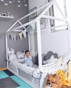 """Que quartinho maaaais lindo do filhinho da Tali. Boy Toddler Bedroom, Baby Boy Room Decor, Baby Bedroom, Baby Boy Rooms, Nursery Room, Room Decor Bedroom, Girl Room, Girls Bedroom, House Beds"
