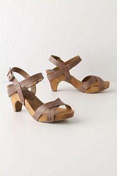 summer clogs
