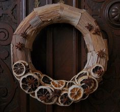 handmade Christmas decor made of natural materials by Galecka Dekoracje