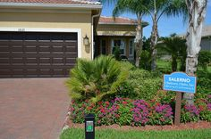 Valencia Lakes Salerno Model Walk Through.   This is a Walk Through Video of the Valencia Lakes Salerno Model. An active adult community is just SE of Tampa  www.tampaactiveadultliving.com/ #valencialakestampa