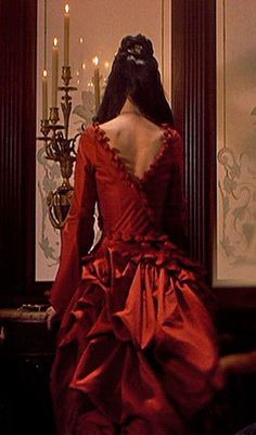 Mina Murry, red evening gown worn by Ryder in Bram Stoker's Dracula. Back  view.