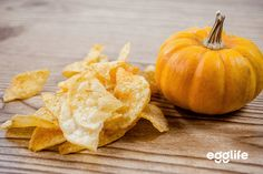 Chips and dip, the perfect duo. Did you know pumpkin provides a range of essential vitamins and minerals? We love to dunk our chips in this yummy dip and you will too. Pumpkin Dip, Pumpkin Pie Spice, Pumpkin Puree, Gluten Free Wraps, Cooking Sheet, Cinnamon Chips, Thanksgiving Appetizers, Sugar Free Recipes, Recipes