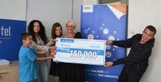 Předávání ceny vyhercům :-) Gratulujeme! #Mediatel #Soutez