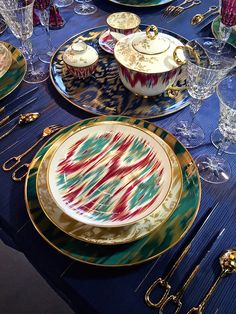 Chic Table Hermès Voyage en Ikat porcelainPorcelain (disambiguation) Porcelain is a ceramic material. Porcelain can also refer to porcelain enamel or to cast iron coated with industrial porcelain enamel. Porcelain may also refer to: Fine China Dinnerware, Porcelain Dinnerware, Ceramic Tableware, Table Setting Inspiration, Ceramic Materials, Dinner Sets, Deco Table, Decoration Table, The Chic
