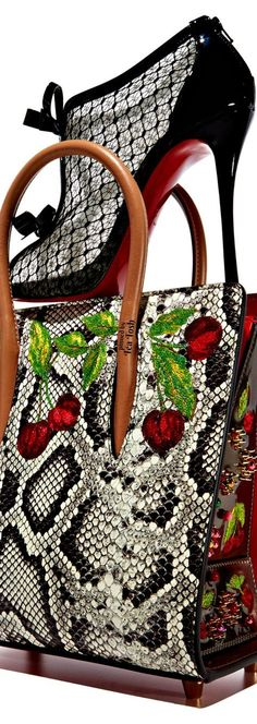 ❇Téa Tosh❇ Christian Louboutin Mens New Years Eve Outfit Christian Louboutin Red Bottoms, Louboutin High Heels, Christian Louboutin Outlet, Fashion Shoes, Fashion Accessories, Fashion Models, Fashion Outfits, Curvy Petite Fashion, Hot High Heels