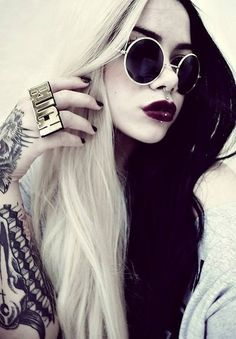 Black white hair style. Love it !! #black #white #hair