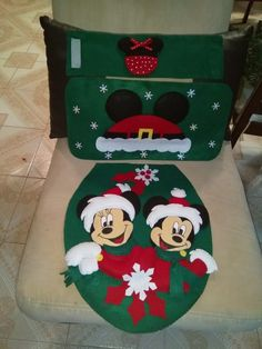 Felt Christmas, Christmas Home, Xmas, Disney Diy, Stencils, Christmas Decorations, Stockings, Baby Shower, Mickey Christmas