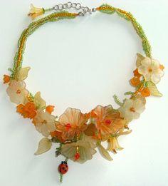 Stunning lucite flower necklace