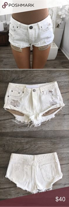 REPOSH Distressed White Denim Shorts Love these but they are too big! Reposhed from @itselaine. Brand new with tags. Shorts Jean Shorts