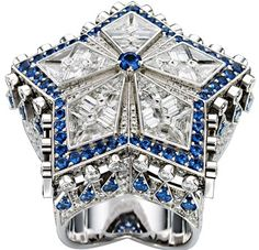 Piaget Limelight New York inspiration ring in 18K white gold, set with blue sapphires and brilliant-cut diamonds.