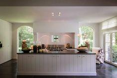 Binnenkijken | Sfeervol huis in landelijk stijl #woonblog - www.stijlvolstyling.com - Ontwerper: THIERRY-LEJEUNE, België