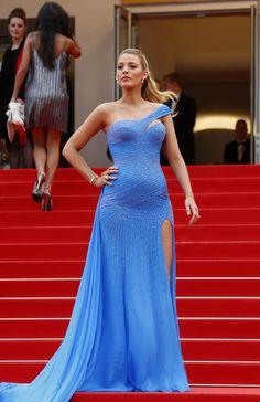 PHOTOS. Blake Lively, star incontestée du tapis rouge du Festival de Cannes 2016