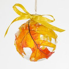 Next Post Previous Post Quick Nature Crafts DIY Leaf Ornament – just place a beautiful fall colored leaf into a. Autumn Crafts, Nature Crafts, Thanksgiving Crafts, Holiday Crafts, Holiday Fun, Thanksgiving Celebration, Kids Crafts, Leaf Crafts, Clear Ornaments