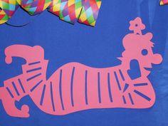 Fensterbild Tonkarton Karneval liegender Clown pink Fasching 34 cm Deko Topp + in Bastel- & Künstlerbedarf, Bastelmaterialien, Bastelpapier | eBay!