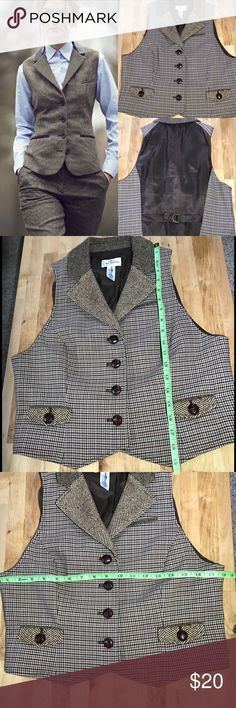 Tweed Vest ANN TAYLOR LOFT Great condition. High quality materials and buttons. Please see picture closely for measurements. I offer bundle disc and open to reasonable offer 😉thanks for stopping by LOFT Jackets & Coats Vests