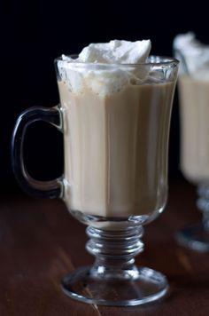 Irish Cream Coffee for #BrunchWeek | Sweet Remedy -- I love all the delicious brunch recipes from #BrunchWeek!