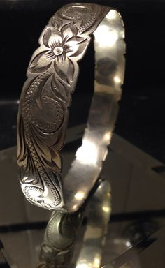 Vintage sterling silver floral etched bangle bracelet