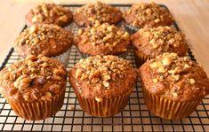 Easy banana and walnut muffins recipe - Recipes tips Muffin Recipes, Baby Food Recipes, My Recipes, Baking Recipes, Dessert Recipes, Favorite Recipes, Banana Nut Muffins, Sem Lactose, Sugar Free Desserts