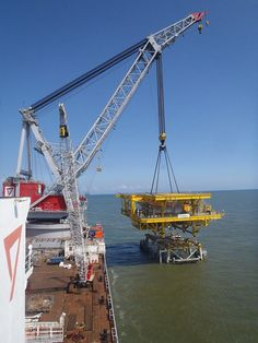 Seaway Heavy Lifting Cranks Out Three Heavy Lift Installs in a Week