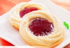 Picture of Recept - Linecké margaretky Baking Recipes, Cookie Recipes, Sweet Bar, Czech Recipes, Biscuit Recipe, How Sweet Eats, Sweet And Salty, Desert Recipes, Cupcake Cookies