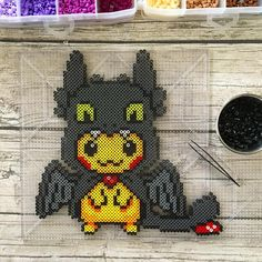 Pixels and Paper - Everything par Hollohandcrafted - Pikachoothless! (Thats pretty terrible, I'm open to better names! Pikachu is all dressed up and - Pokemon Perler Beads, Pyssla Pokemon, Diy Perler Beads, Perler Bead Art, Melty Bead Patterns, Pearler Bead Patterns, Perler Patterns, Pikachu, Perle Hama Star Wars