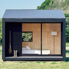 いいね!3,534件、コメント31件 ― HIGHSNOBIETYさん(@highsnobiety)のInstagramアカウント: 「@muji_global is now making tiny homes for minimalist living.」