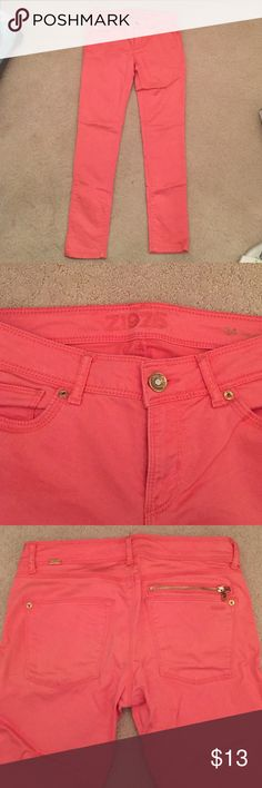 Zara Pink Jeans Bought in Spain. Worn a few times. Colored jeans not my style. Zara Jeans Skinny