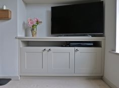 Bespoke cabinetry designed to allow sky box – fantastic room avesome Alcove Ideas Living Room, Living Room Shelves, Living Room Storage, New Living Room, Living Room Designs, Living Room Decor, Bedroom Storage, Alcove Cupboards, Corner Tv Cabinets