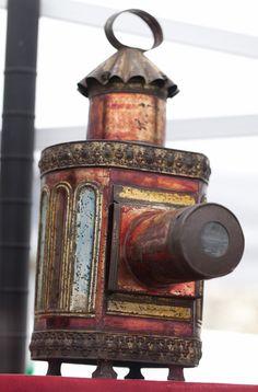 Lanterne magique (ancêtre du projecteur de diapos) par Olivier Ezratty (portfolio Foire de la photo de Bièvres Jun2012) 2 juin 2012 à 16h10 Canon EOS 5D Mark II Canon 0.008 100 2.82843