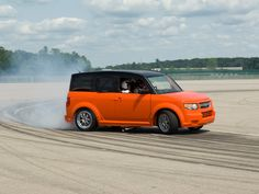 HAD to include this on the Drifting board! 2006 Honda Element-D Drifting