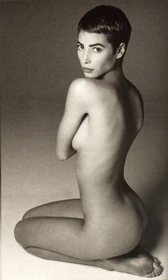 Christy Turlington by Francesco Scavullo, 1990 shes so beautiful Francesco Scavullo, Christy Turlington, Image Fashion, Fashion Models, 90s Models, Celebrities Fashion, 90s Fashion, Poses, Nude Photography